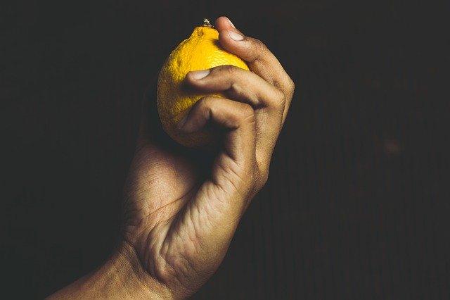 Tutti i benefici e gli usi del limone