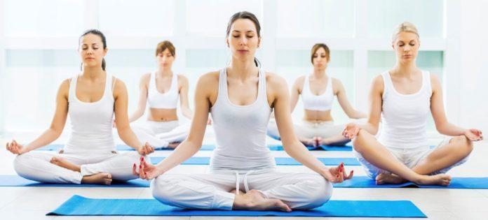Perchè lo yoga fa dimagrire